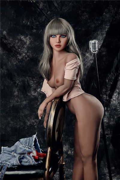 love doll Irontech 150cm Lora 1 400x600 - Sex doll IronTech Lora 150