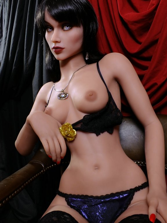 love doll YL 168cm 1 - Adopte une doll